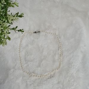 Vintage pearl necklace with filigree clasp